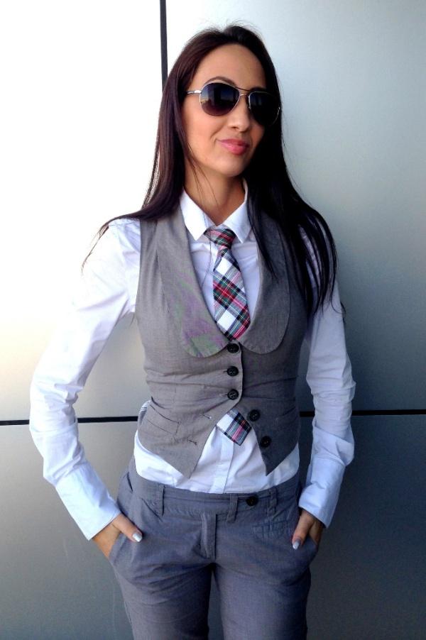 women's tie